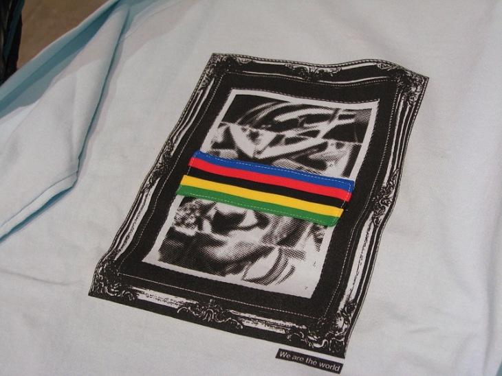 世界選手権(エリートロード)の優勝者モチーフのTシャツ