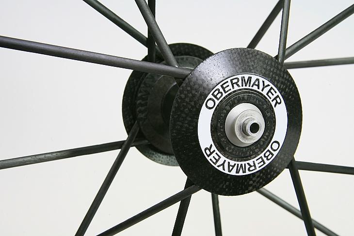 ライトウェイト OBERMAYER GIIIのフロントハブ部。「OBERMAYER」のロゴでSTANDARD GIIIと区別できる