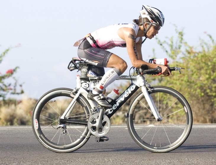 ISMサドルを使用し、2009アイアンマンハワイを走る西内真紀選手