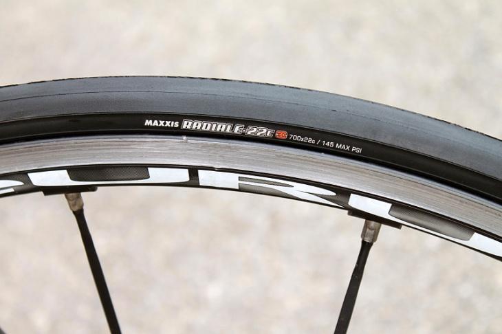 ラジアル構造を自転車用タイヤに初めて採用した