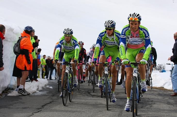 2度のジロ・デ・イタリア覇者イヴァン・バッソ(イタリア、リクイガス)もテカールが手放せないという