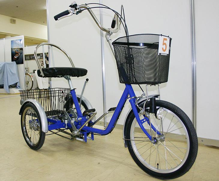 3輪にして重心を低くした高齢者用自転車