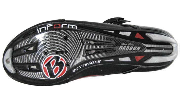 「レースライト」にはミドルグレードのシルバーシリーズカーボンソールが使用される