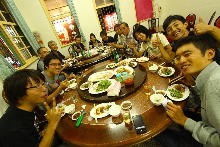 花蓮のあひる料理の店で楽しく・美味しく会食