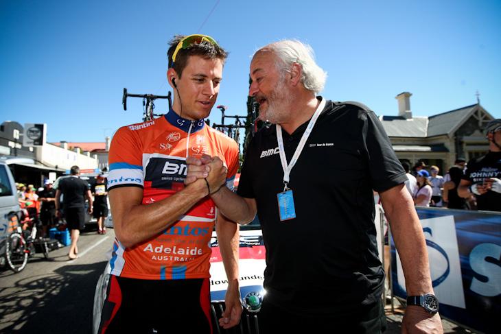 マルティン・コーラー(スイス、BMCレーシングチーム)とチームオーナーのアンディ・リース氏