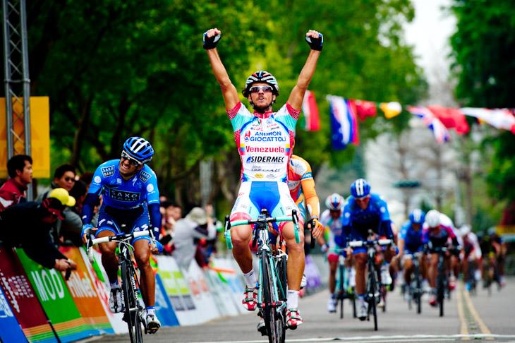 ステージ優勝を挙げたロベルト・フェラーリ(イタリア、アンドローニ・ジョカトーリ)