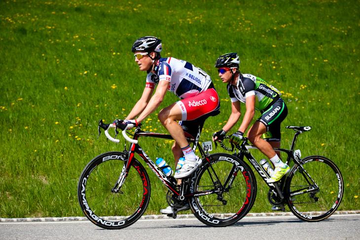 逃げるラルスイティング・バク(デンマーク、ロット・ベリソル)とクリスティ... photo:Ke