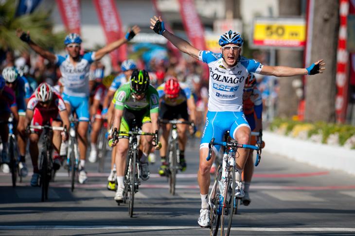今季初勝利を挙げたサッシャ・モドロ(イタリア、コルナゴ・CSFイノックス)