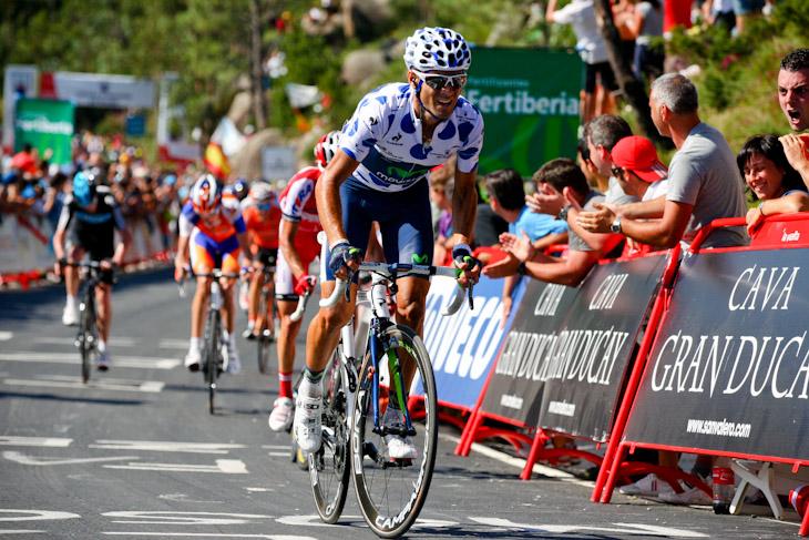 3番手で3級山岳ミラドール・デ・エサロを駆け上がるアレハンドロ・バルベルデ(スペイン、モビスター)
