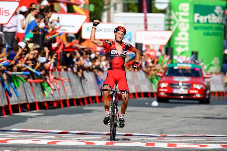 独走勝利を飾ったスティーブ・クミングス(イギリス、BMCレーシングチーム)