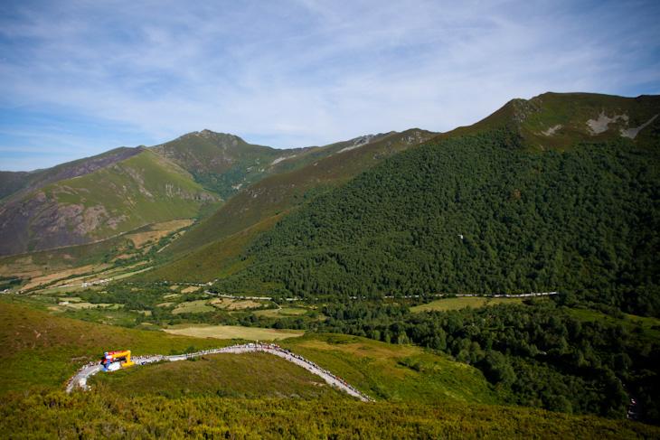 頂上ゴールが設定された1級山岳アンカレス峠