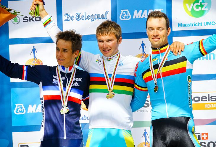 表彰台、左からブリアン・コカール(フランス)、優勝アレクセイ・ルトセンコ(カザフスタン)、3位トム・ヴァンアスブロック(ベルギー)