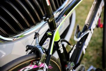 スローピング角の大きな軽量ロードバイクのSCULTURA SL: photo:Kei Tsuji