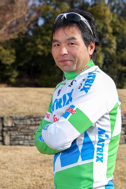 安原昌弘監督。2006年の設立時からチームを率いる