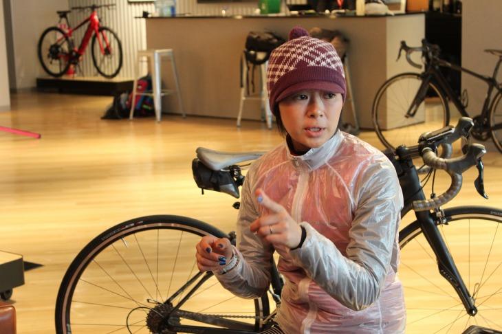 現在はライディングスクールの講師としても活躍する小田島梨絵さん