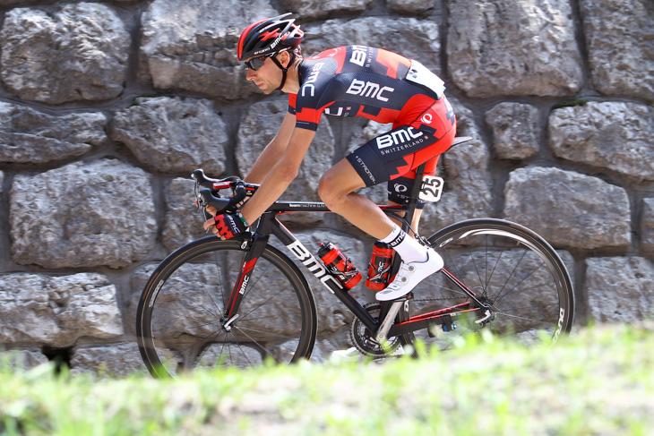 逃げるイヴァン・サンタロミータ(イタリア、BMCレーシングチーム) photo:Riccardo