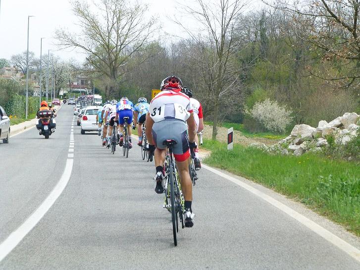 第2ステージ 横山、黒枝が先頭グループに合流する