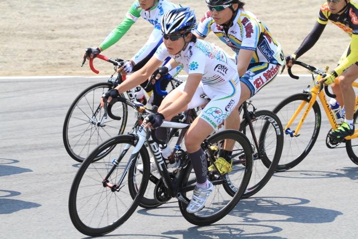ソロで4時間走った女子の総合優勝のチーム・フォルツァ!の與那嶺恵理さん