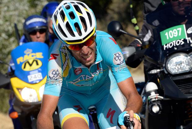 ホーナーを単独で追うヴィンチェンツォ・ニーバリ(イタリア、アスタナ)