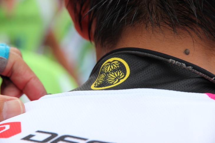 襟には徳川家の紋章が入る