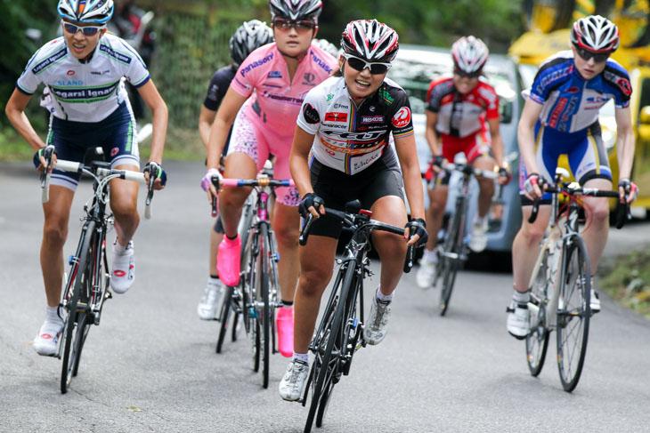 2012途中より地元に戻りBLITZSCHLAGEのチーム名で活動した針谷千紗子。3Day's Road 熊野2013総合優勝などの成績を残した