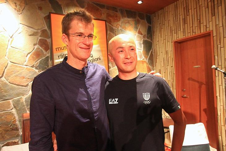 ジャパンカップを優勝したマイケル・ロジャースと記念撮影!