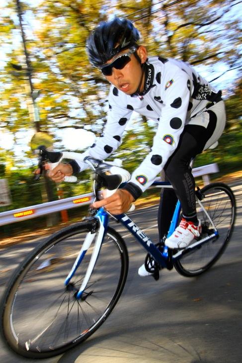「バイクの設計の意図はスピードの維持にあることを実感した」鈴木祐一(RiseRide)
