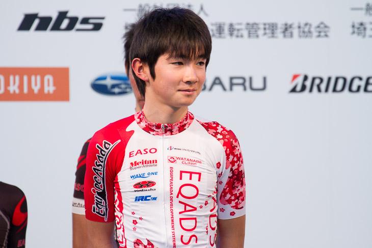 EQADSを代表して全日本U17ロードチャンピオンの石上優大が挨拶した