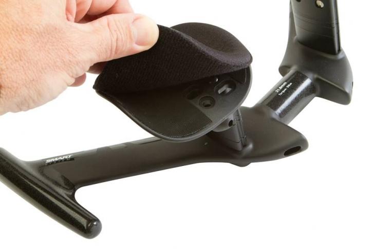最小125mmから最大200mmまでのパッド幅調整が可能