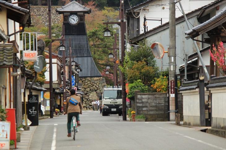 日本最古の時計台として知られる出石のシンボル辰鼓楼