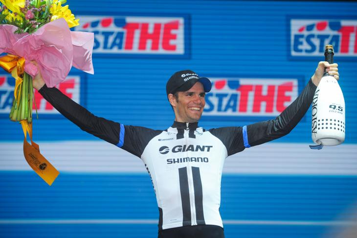 ステージ優勝を飾ったルーカ・メスゲツ(スロベニア、ジャイアント・シマノ)