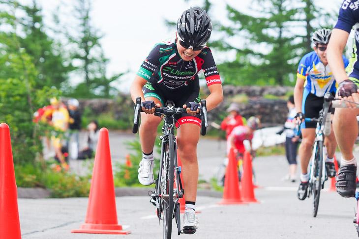 富士山ヒルクライム2014で優勝した針谷(Live GARDEN BICI STELLE)。熊野でも再び総合優勝に輝いている