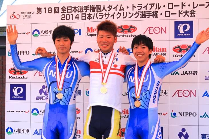 男子U23表彰式