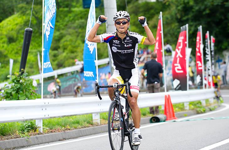E1 優勝は清宮洋幸(竹芝サイクルレーシング)