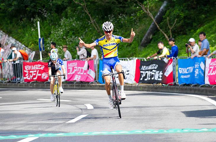 E2 優勝は山藤祐輔(なるしまフレンド)