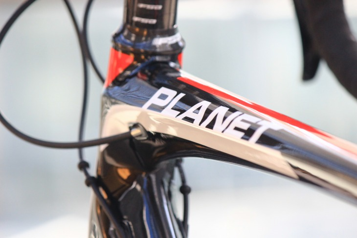 PLANETの名が10年以上の時を経てデローザのラインナップに復活