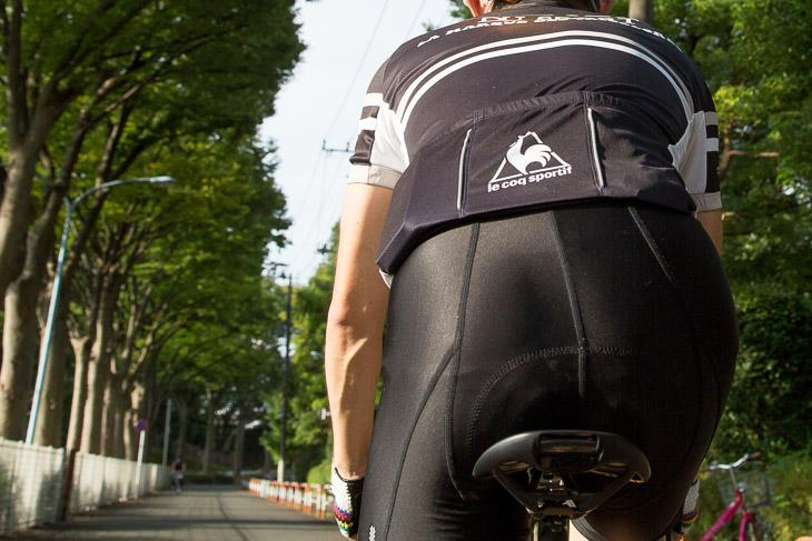 優れた衝撃吸収性が、走行中の疲れや痛みを軽減してくれる