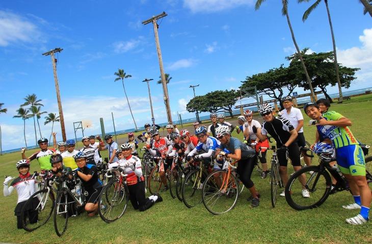 毎回200名を超える大人気のトップツアー。その魅力はハワイの楽しさを知り尽くしたメニューにある
