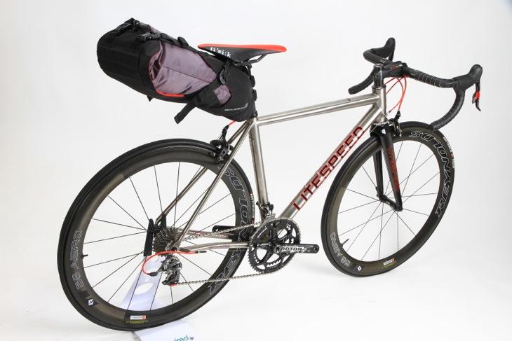 一般的なロードバイクにも搭載できる