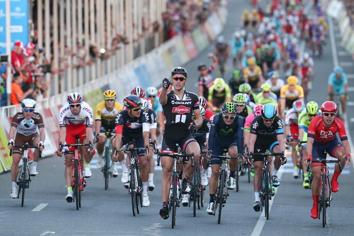 Cycle Race News: ツアー・ダウ...