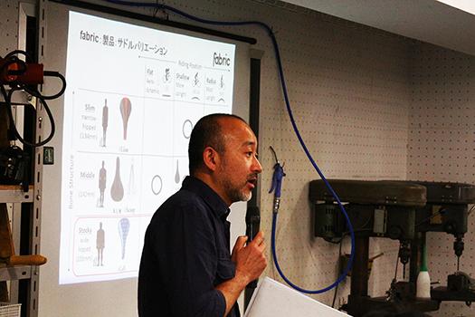 東京サイクルデザイン専門学校の橋本博匡講師から企画の概要を説明