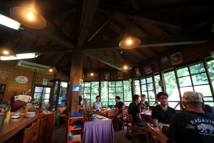 払沢の滝駐車場近くにあるイタリアンレストラン「ヴィッラ・デルピーノ」でお昼休憩