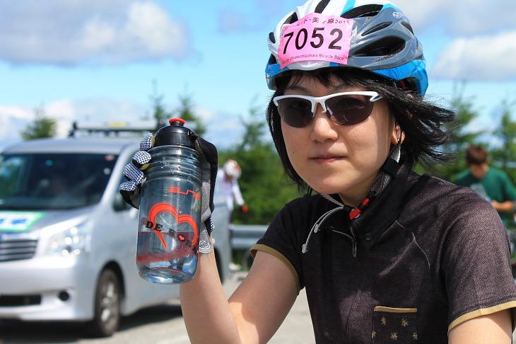 三沢自転車商会の店員さんが、眠っていた在庫からデローザデザインのボトルを見つけてくれたという