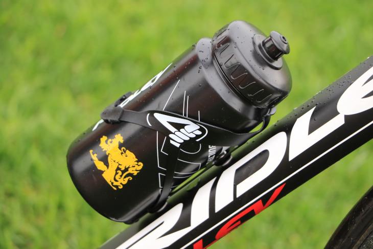 リドレーが本拠を構えるベルギー・フランドル地方のシンボルであるライオンがあしらわれた国内限定のボトルを使用した