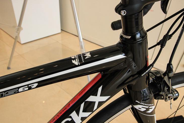 6069アルミ素材が採用され、軽量でハイパフォーマンスなバイクを目指した
