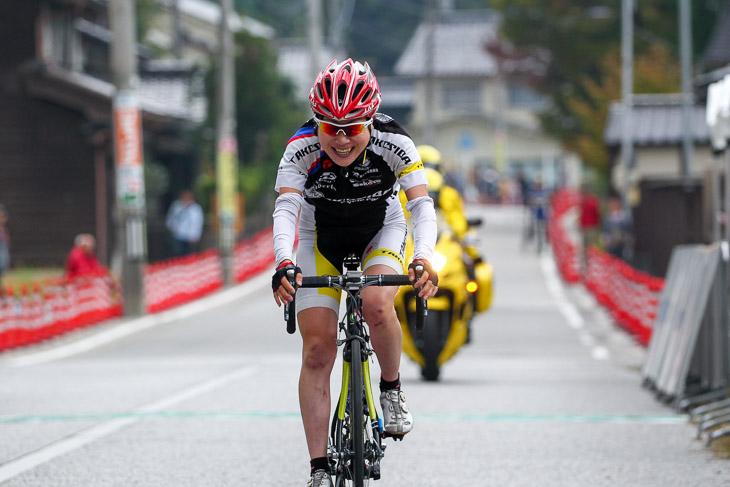 F 松田百合子(竹芝サイクルレーシング)が優勝