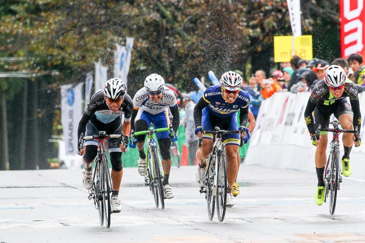チャレンジ2組 石村公仁彦(BIKE TOWN CYCLING)が優勝