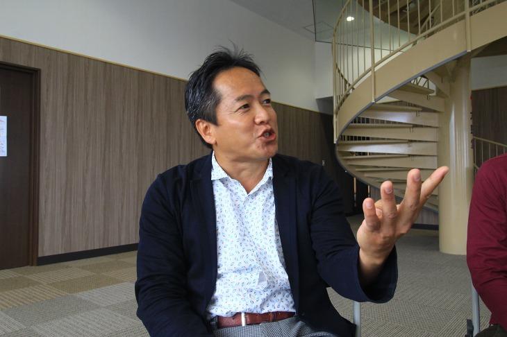 理事長を務める駒澤大学経営学部教授の青木茂樹さん NPO成立の背景について詳しく語っていただいた