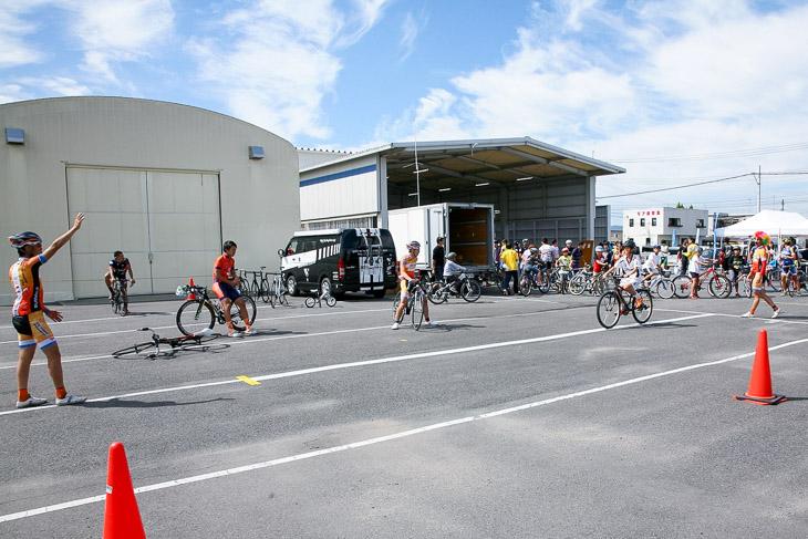 大星山HC JプロツアーのVICTOIRE広島による自転車教室も開かれた
