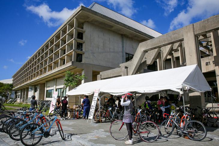 集合場所はレンタサイクル受付所。ここで自転車を借りた参加者も